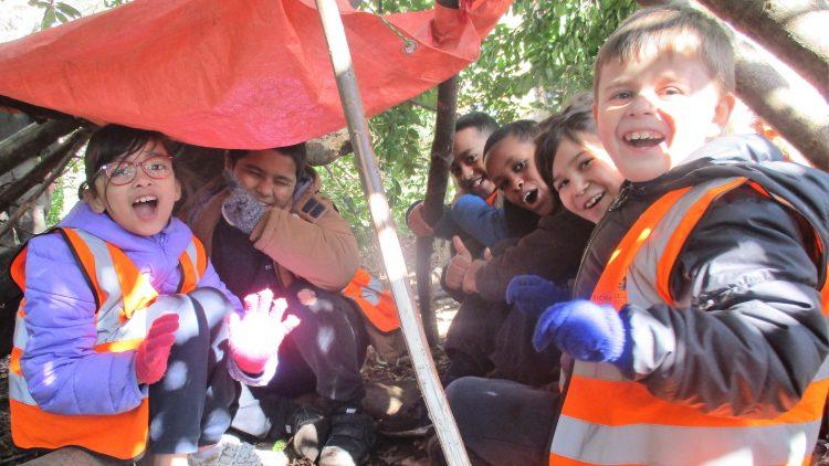 Year 3 survival workshop on Hampstead Heath